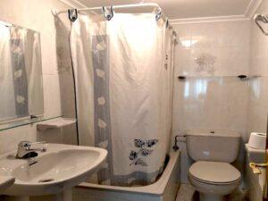Baño Hostal Tielve