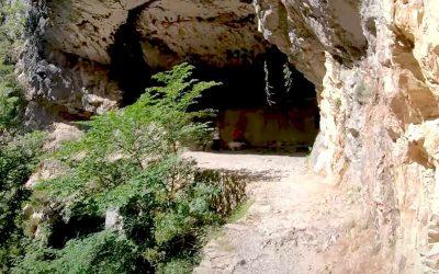 Vista cueva Ruta del Cares